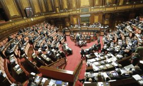 FdI presenta ddl costituzionale: no voto di fiducia per i senatori a vita