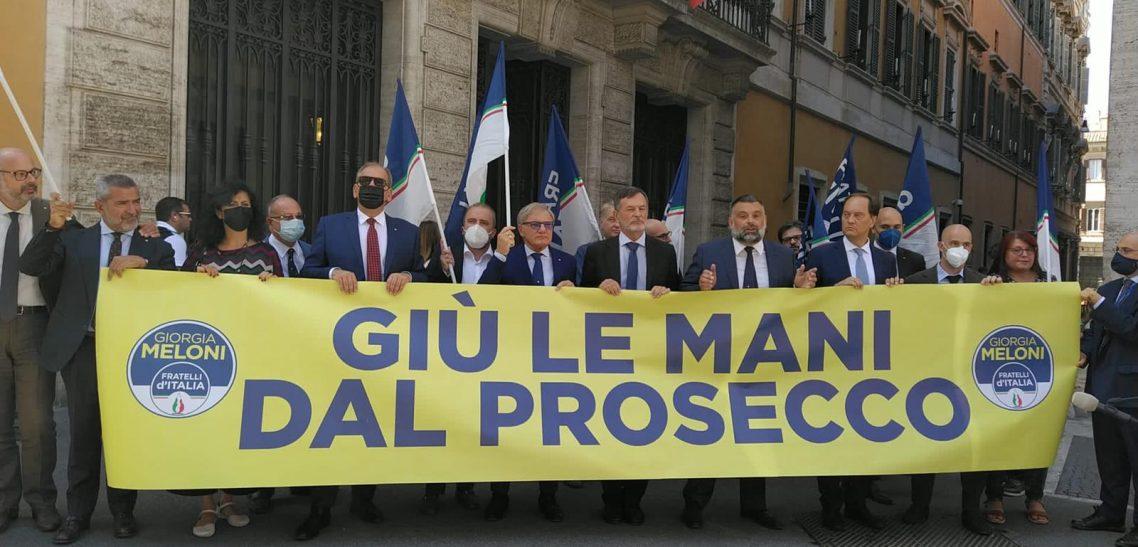 FLASH MOB DI FDI A TUTELA DEL PROSECCO ITALIANO